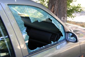 broken car window car insurance coverage